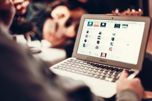 social-media-in-manufacturing